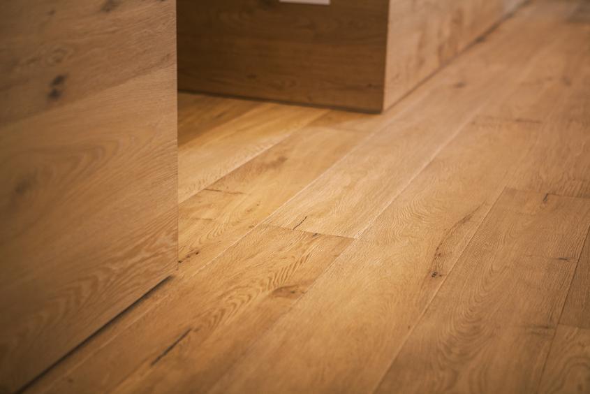 Particolare pavimento in legno serie Cefalù 1131
